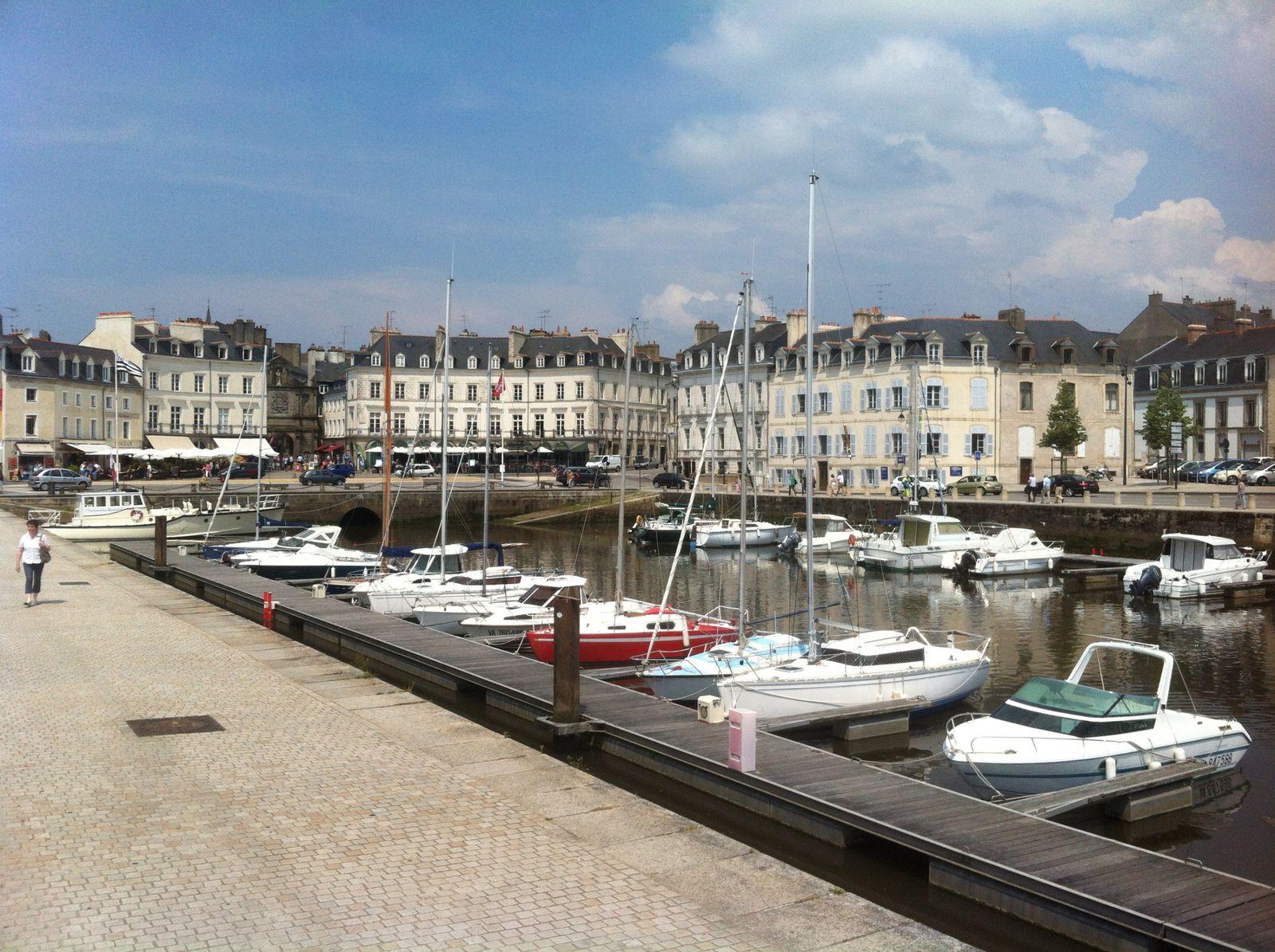Au retour , arrêt à Vannes et dans le golfe du Morbihan .