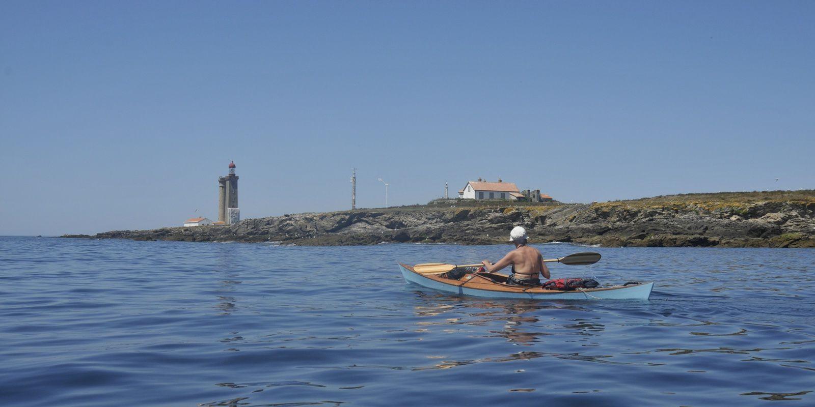"""deux kayaks """"Léo"""" dans les Pertuis, du 4 au 11 juillet"""