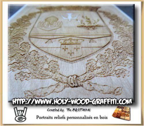 Détails du logo pyrogravé