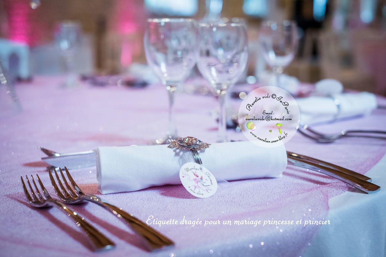 Etiquette dragée pour personnaliser votre mariage d'après votre faire-part Chez Aurélie Vidé.