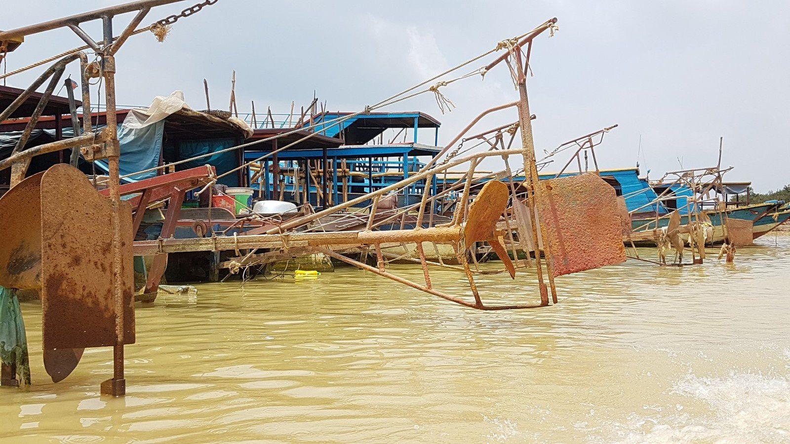 Village flottant et mer de Chine