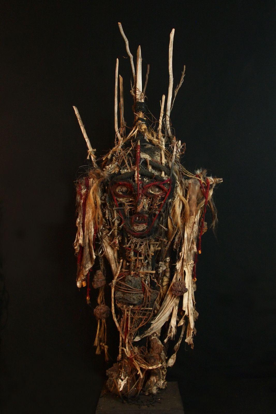 Masque sur socle,  148x60 cm,  2016