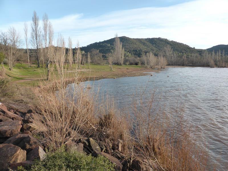 D'Aumont - Aubrac aux rives du lac de Salagou...