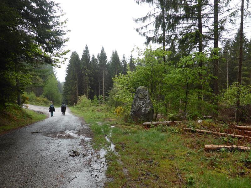 J 4 - Sur la route de Peyrat le château
