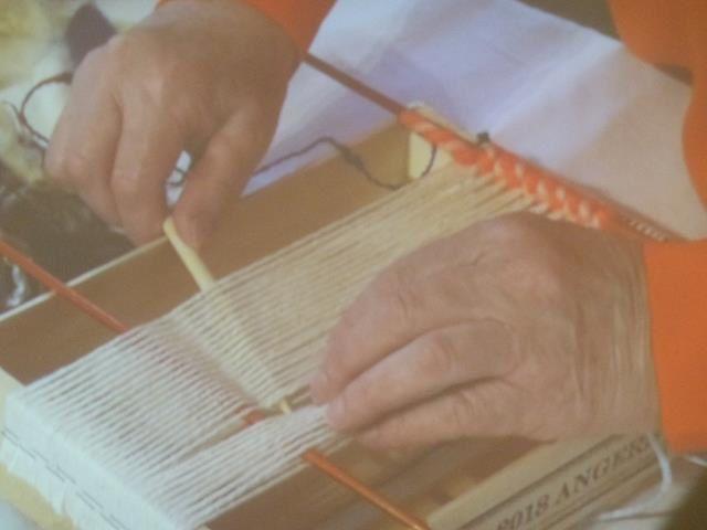 Ah, voilà pourquoi il fallait venir avec des aiguillesà tricoter !
