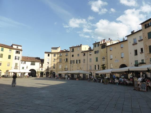 Lucca ...ou Lucques...
