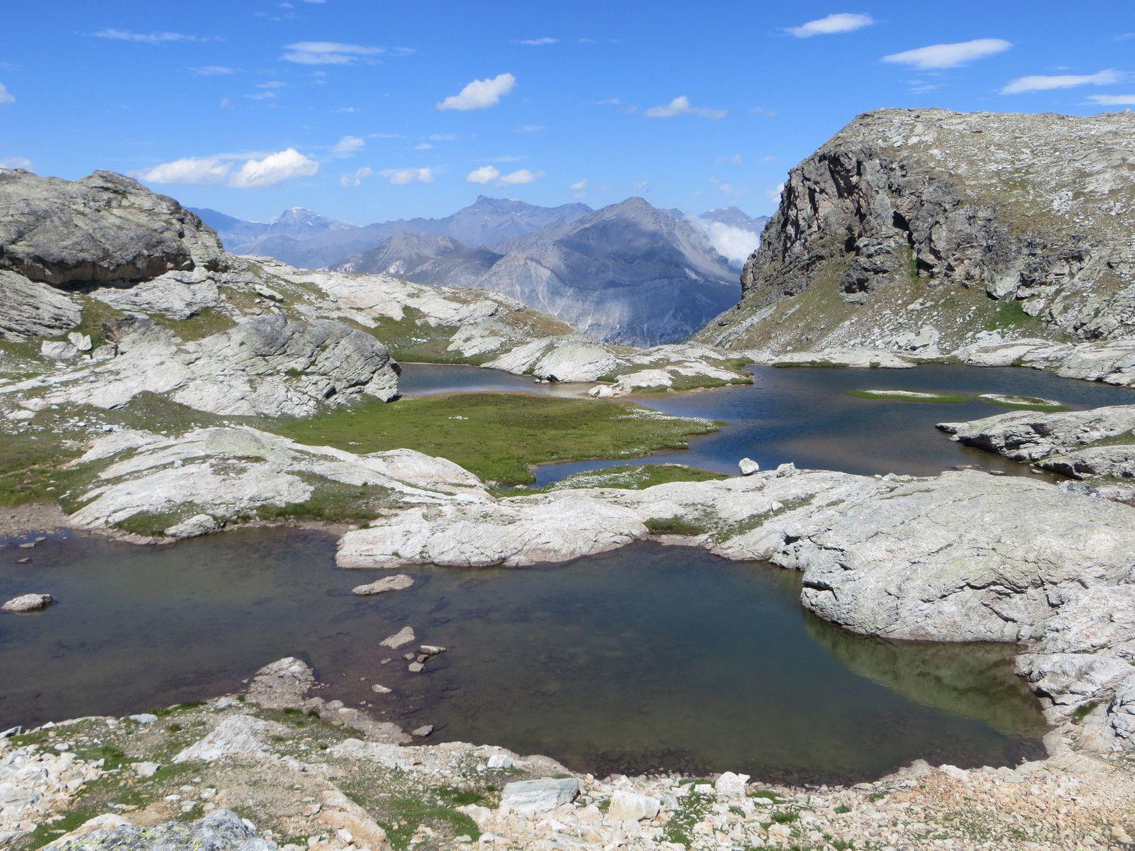 Le lac au pied du Grand Bec d'Etache