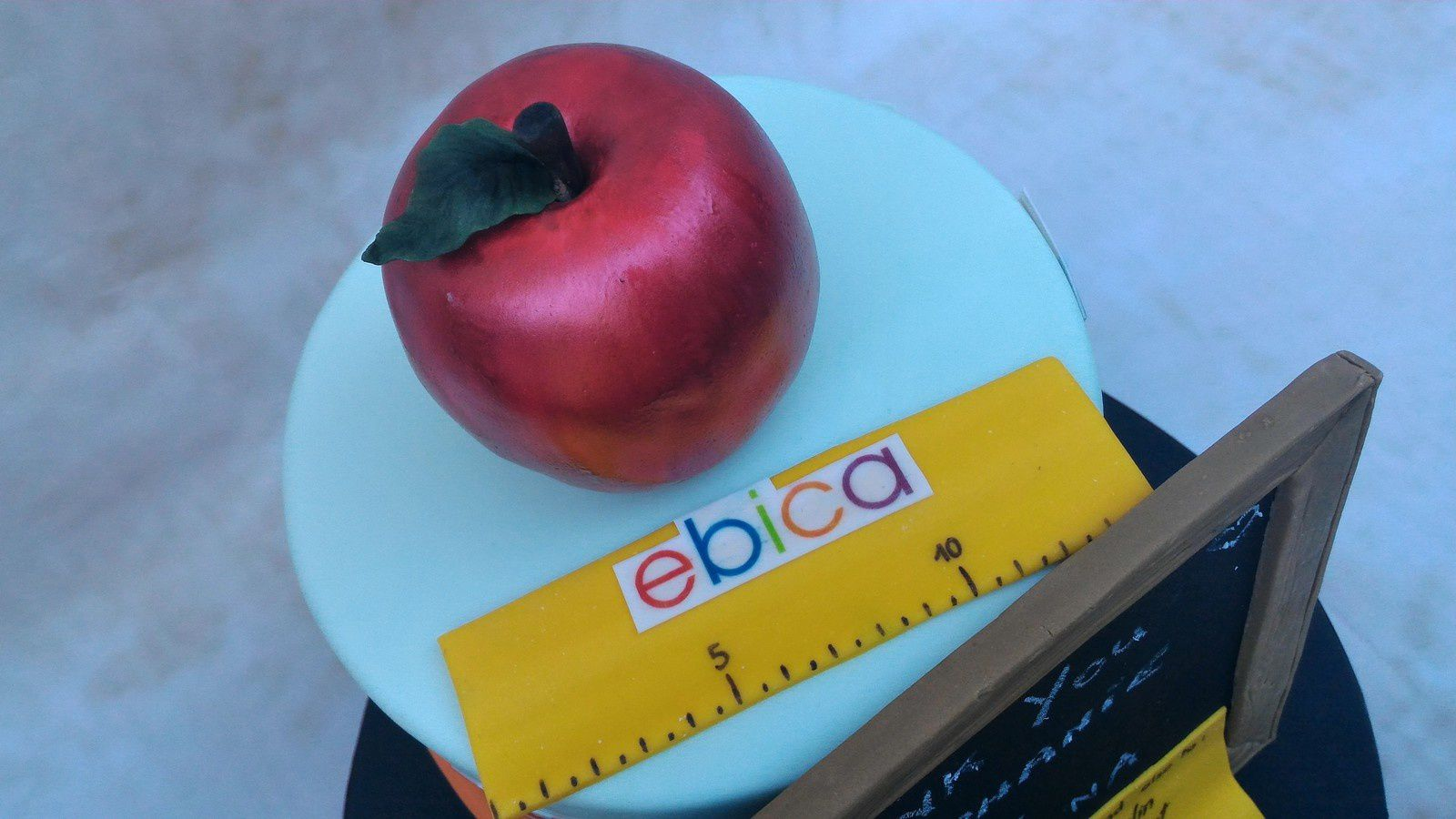 GATEAU FIN D'ECOLE - EBICA ECOLE INTERNATIONALE