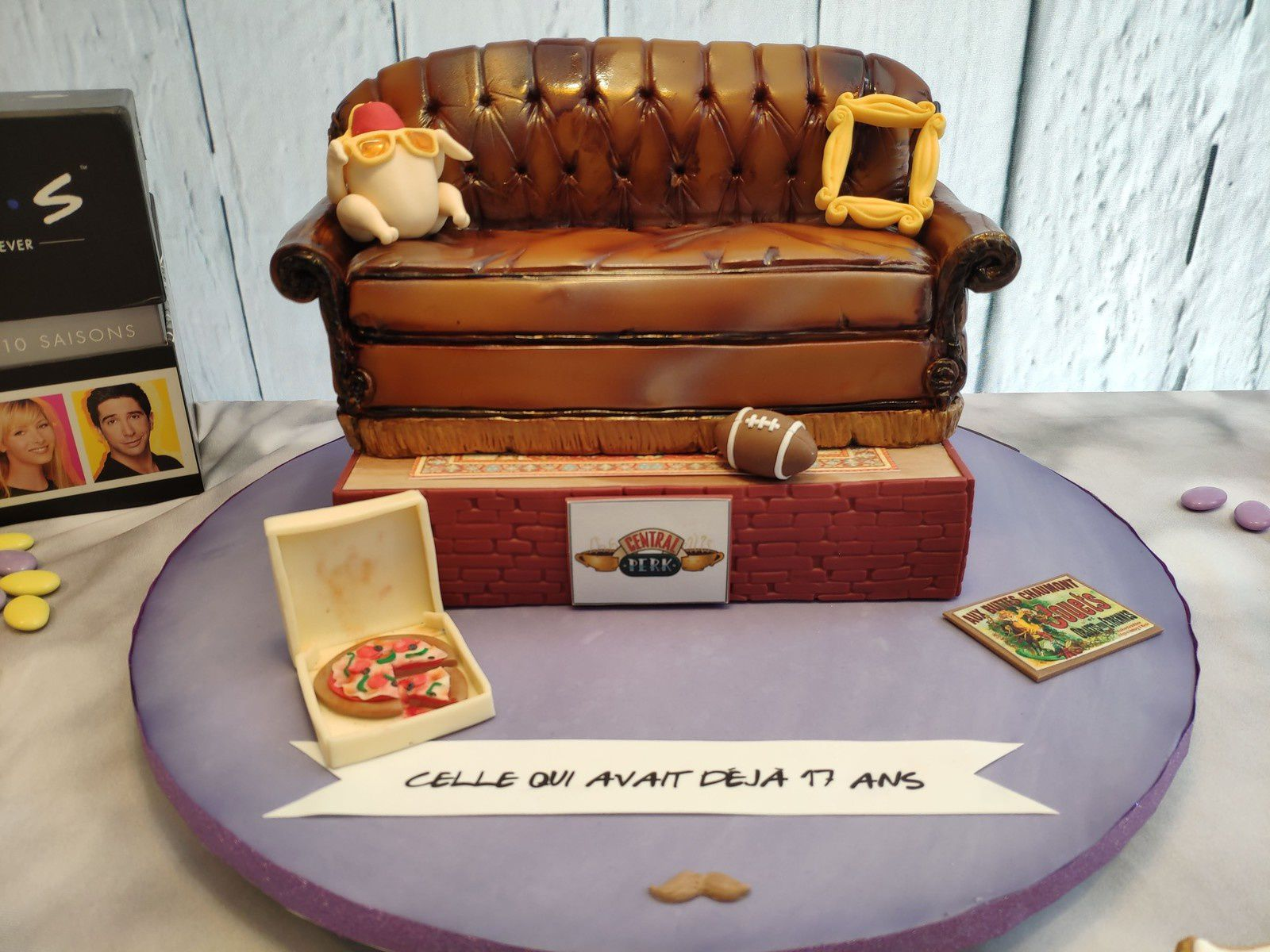 GATEAU FRIENDS - TV SHOW CAKE