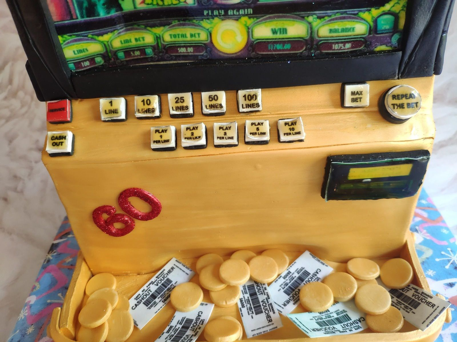 GATEAU MACHINE A SOUS - STINKIN'RICH SLOT MACHINE CAKE