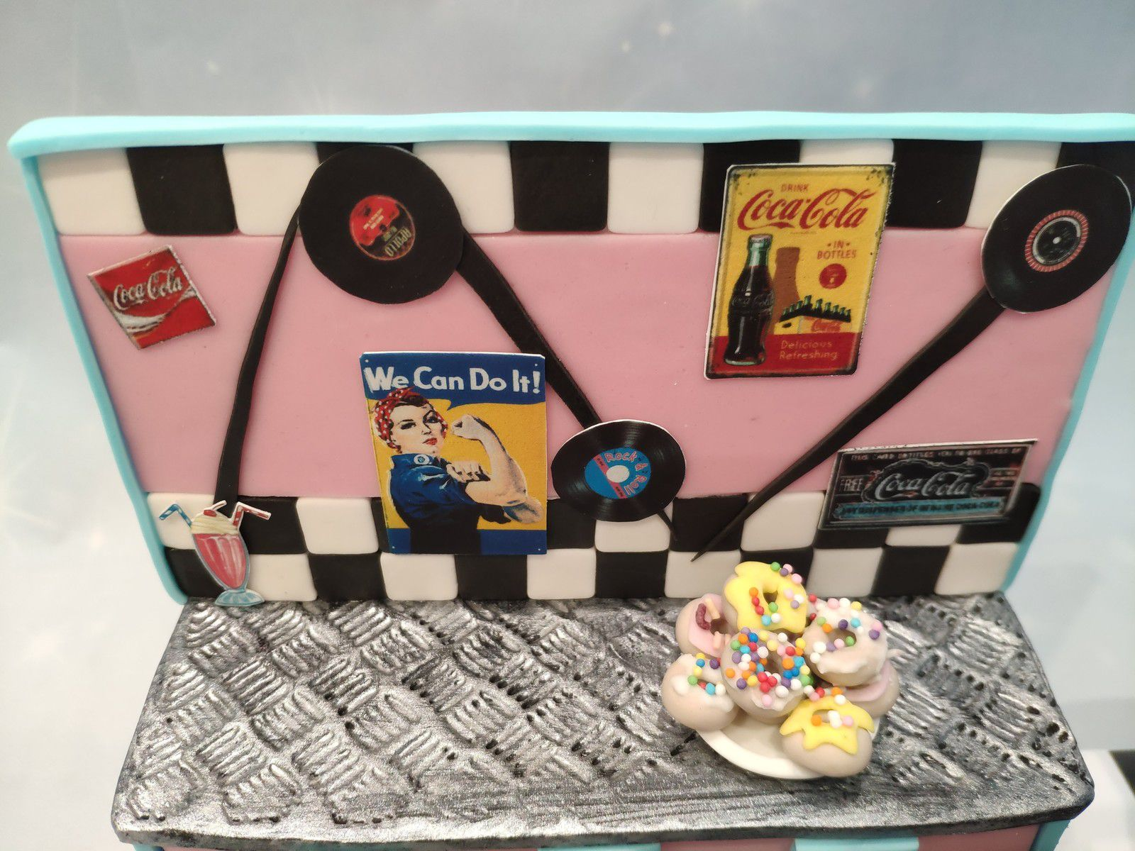 GATEAU DINER AMERICAIN ANNEES 50 - DINER 50's CAKE