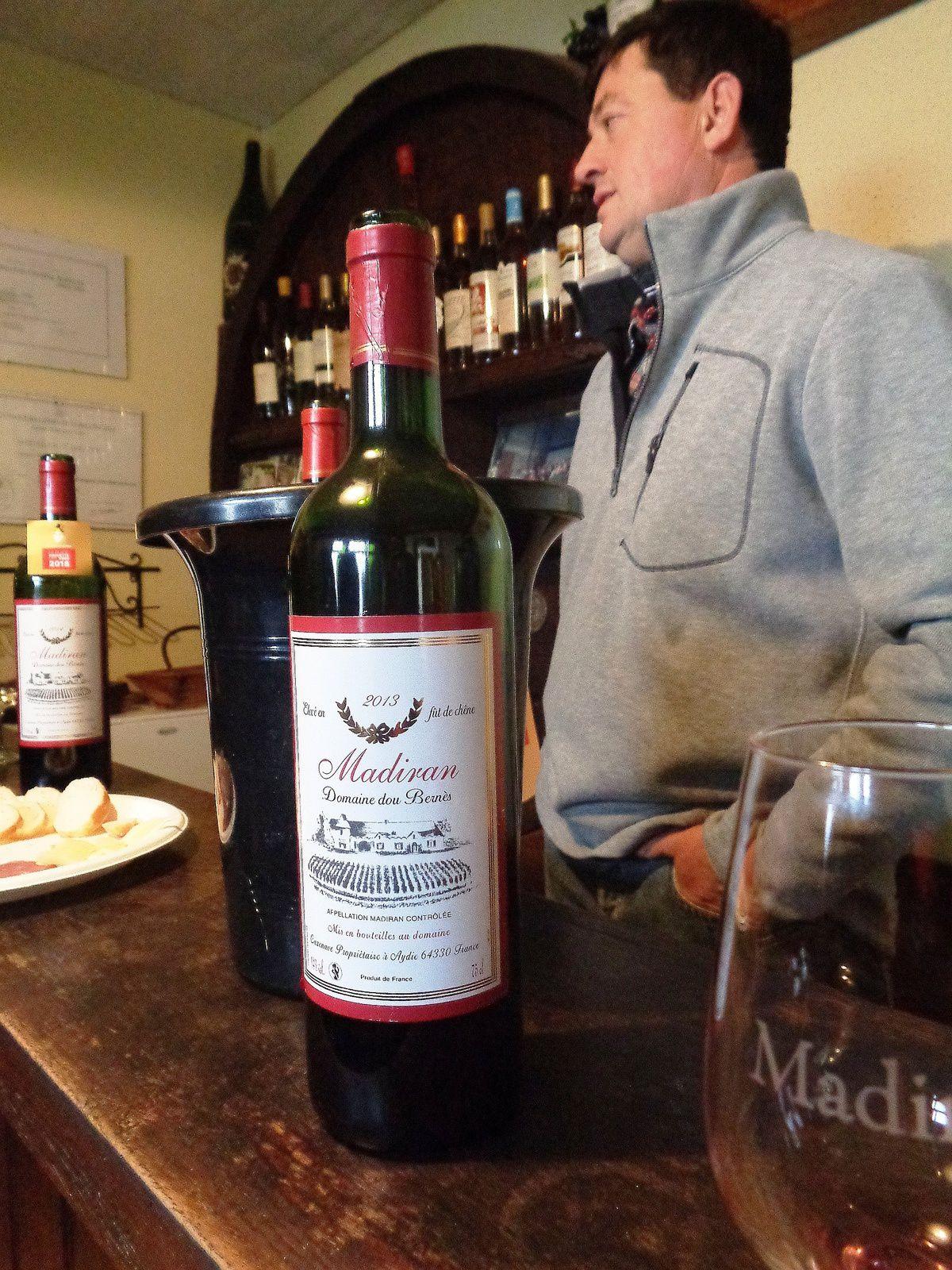 Pau : des livres et du vin