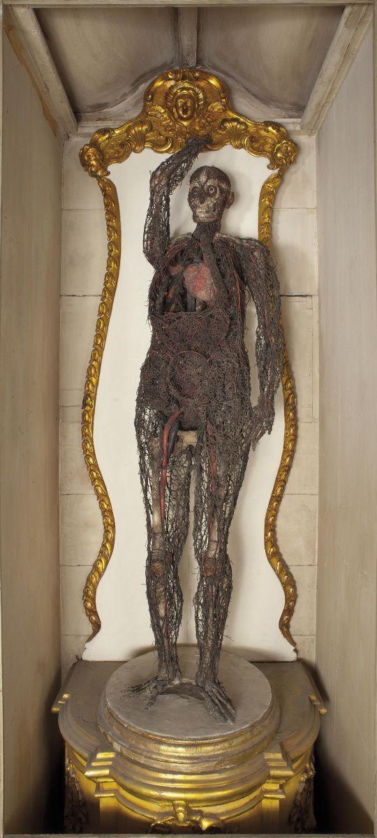 Naples - Sansevero :  marbres stupéfiants et machines anatomiques