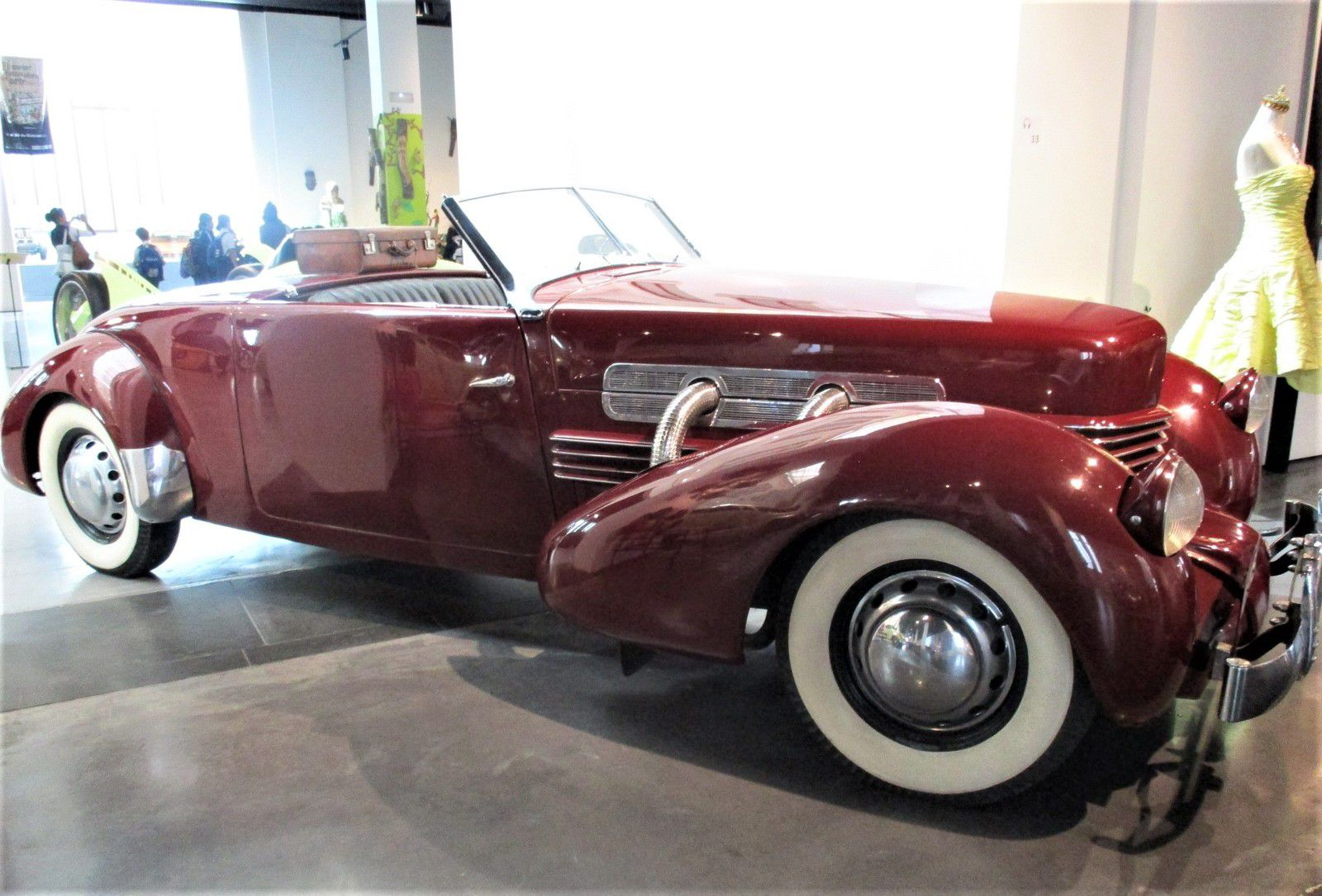 """Cord """"812 - Supercharged, 1937"""