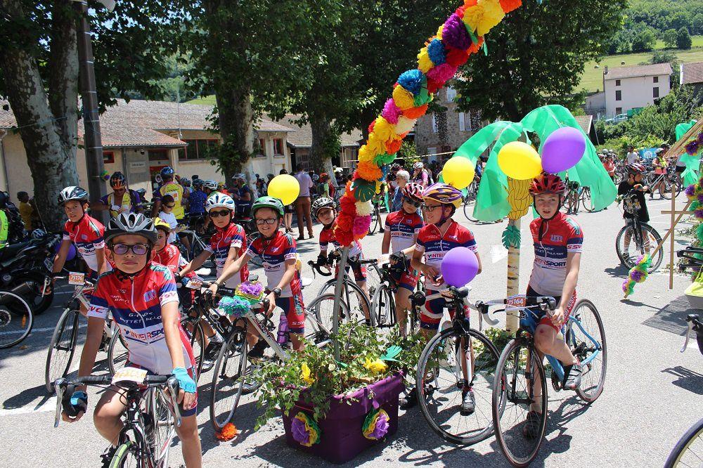 Les jeunes cyclistes prêts à reprendre le chemin du retour