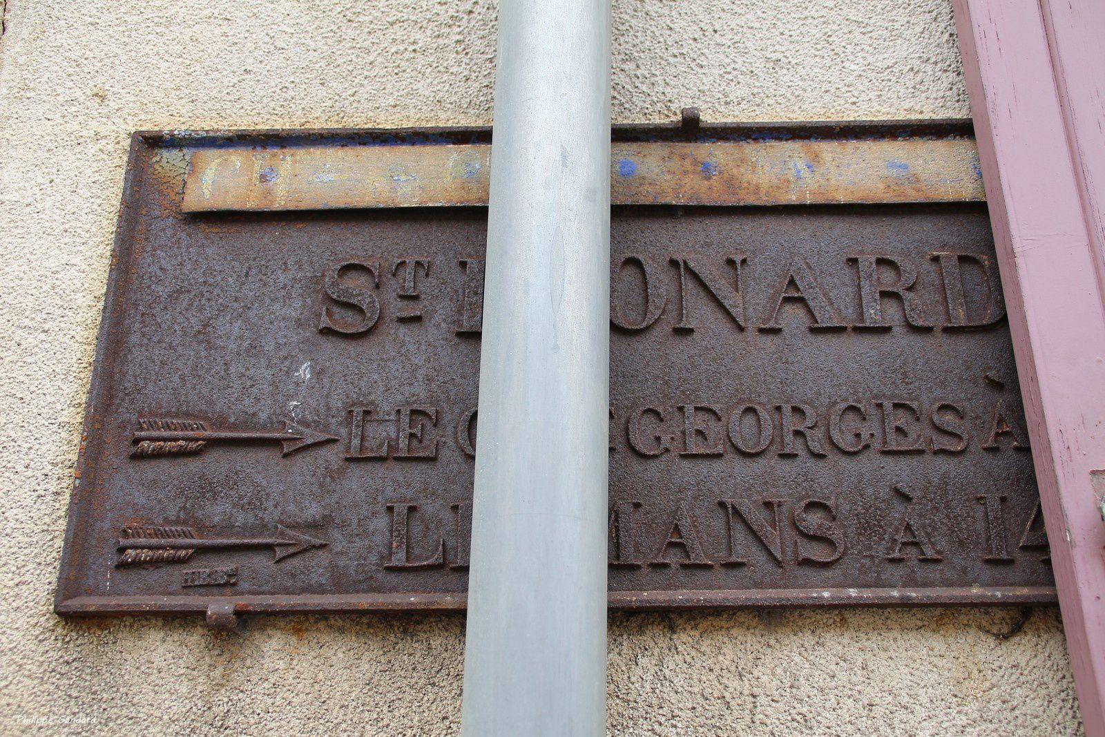 Une plaque de cocher à Louplande (Sarthe)