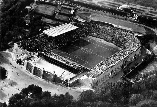 Fig.46: le stade du Parti National Fasciste,                      démoli en 1957