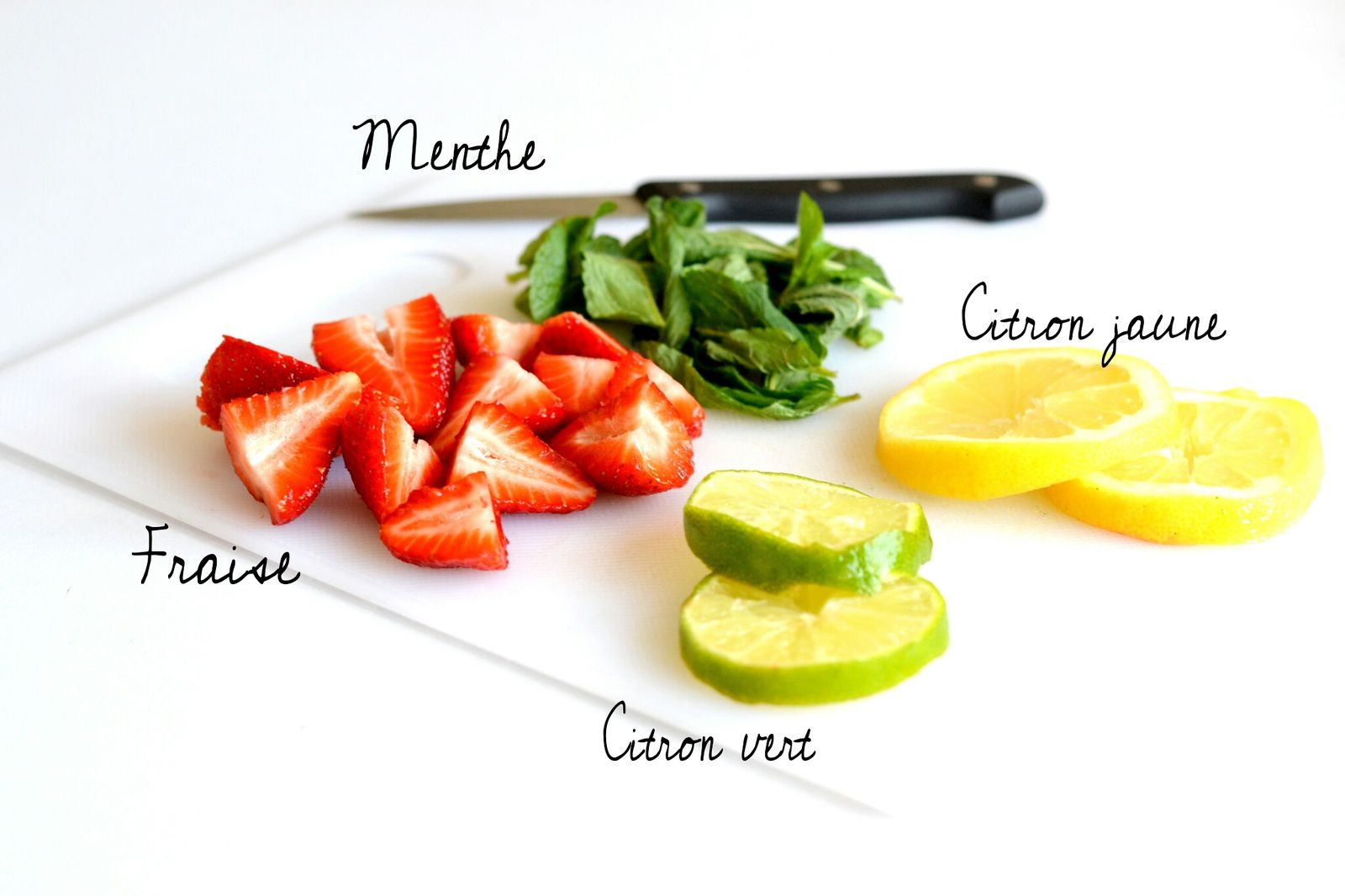 La detox water... Des fruits et de l'eau ! Zéro calorie !
