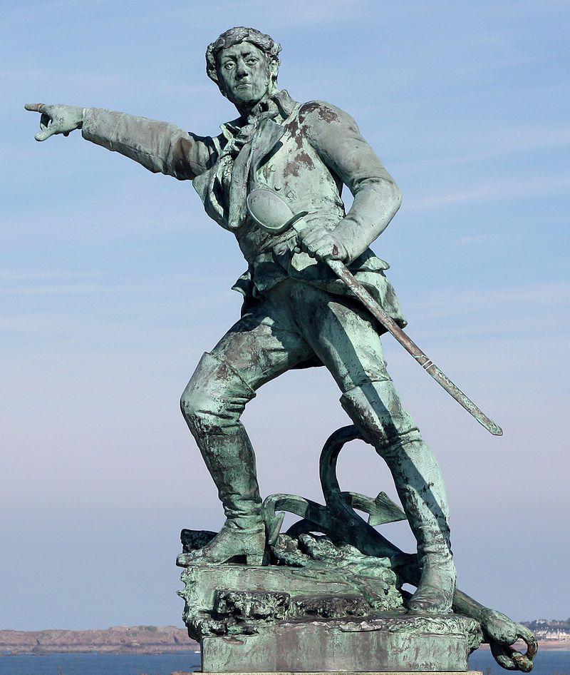 Statue de Surcouf à Saint-Malo.