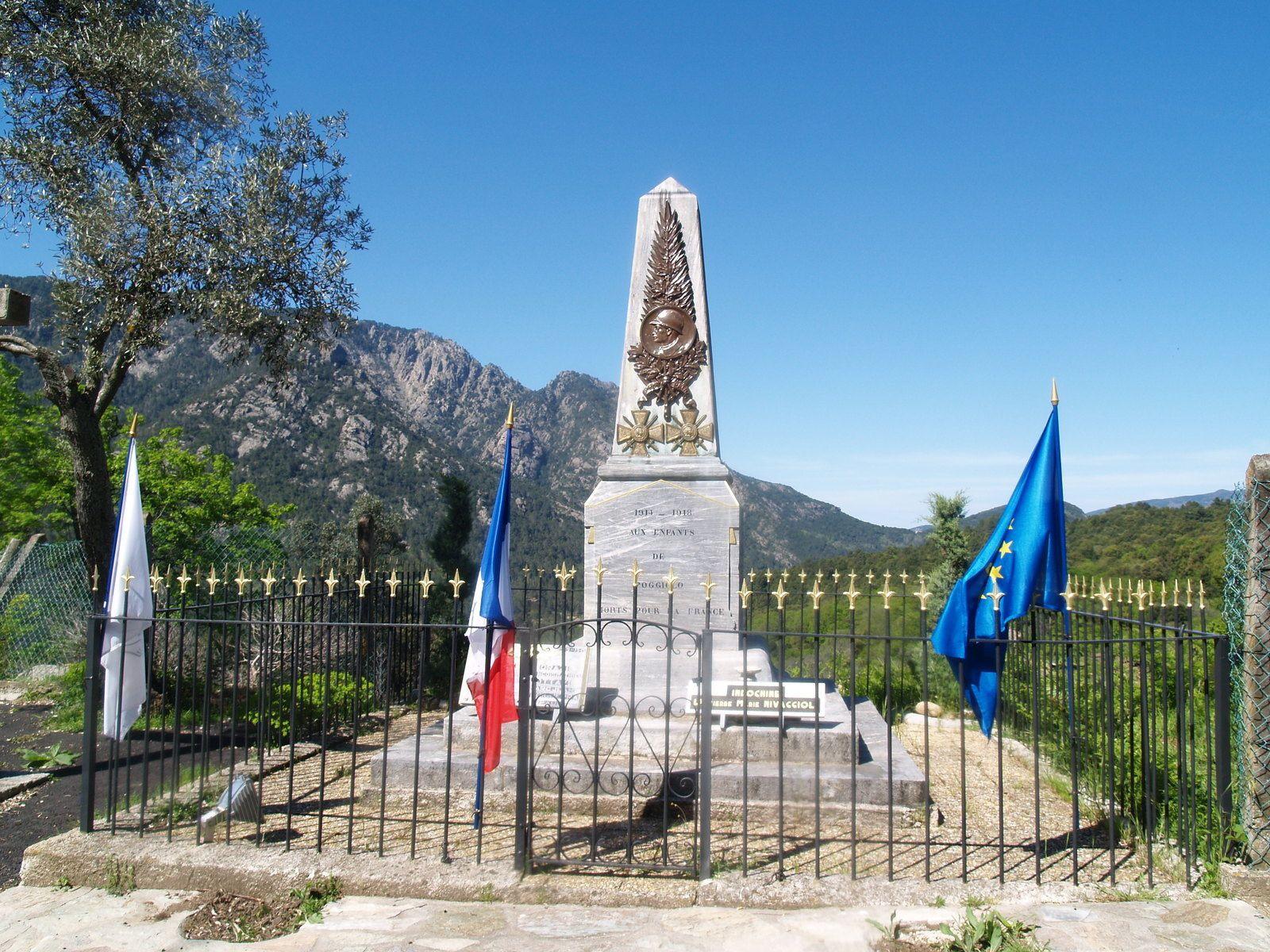 Monument aux morts de Poggiolo. 8 mai 2009.
