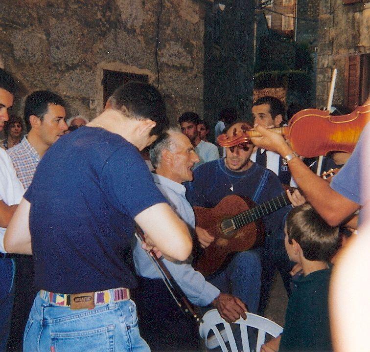 Violons, guitares et chants avec Ferdinand Passoni à U Pighjolu (16 août 1997)