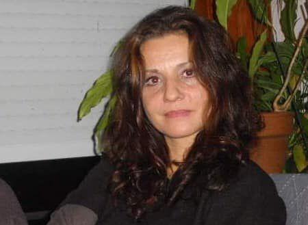 La mère de Marie, Nathalie, née en 1963.