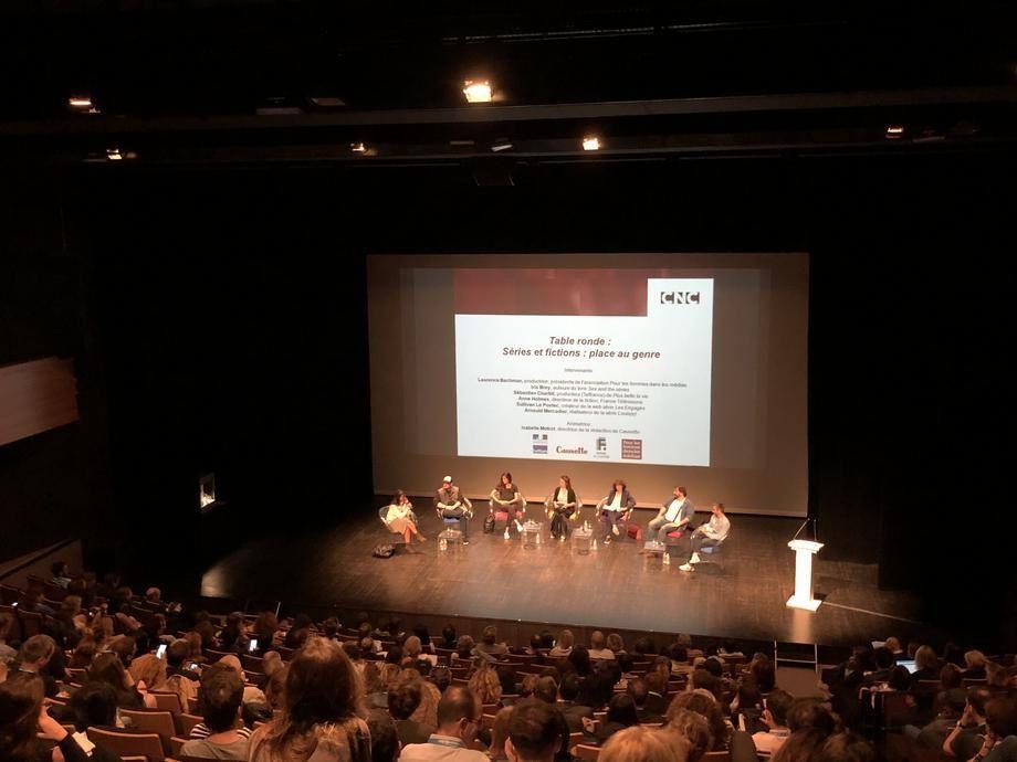 """Table ronde """"place au genre"""" du CNC au festival de la Fiction TV de La Rochelle"""