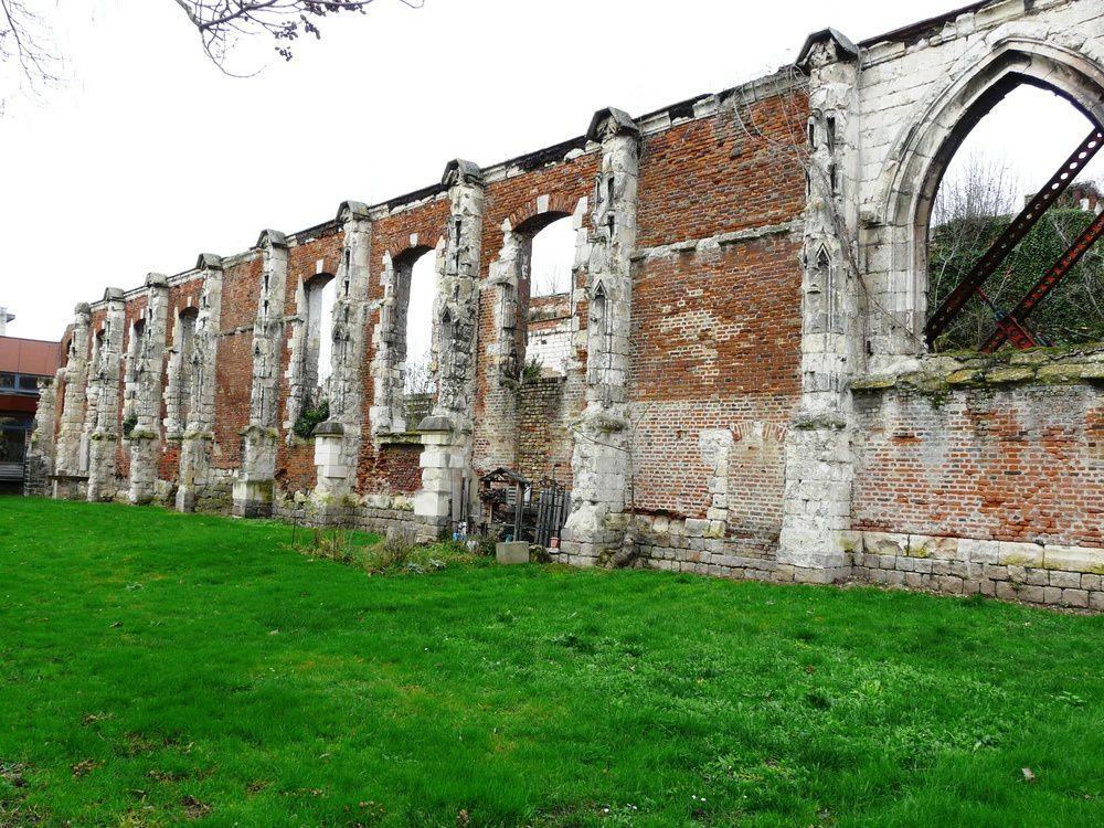 hôpital Dieu, ou hôpital St Jean (environ 1236)