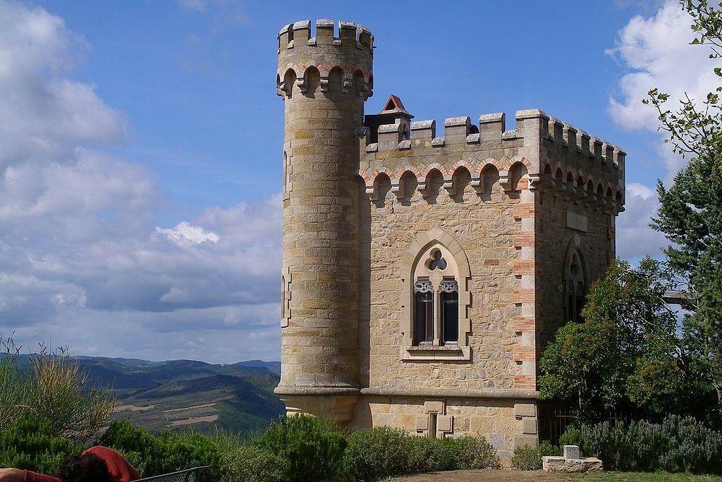 Rennes-le-Château: gare au diable, surtout statufié dans l'église de ce tout petit village de l'Aude