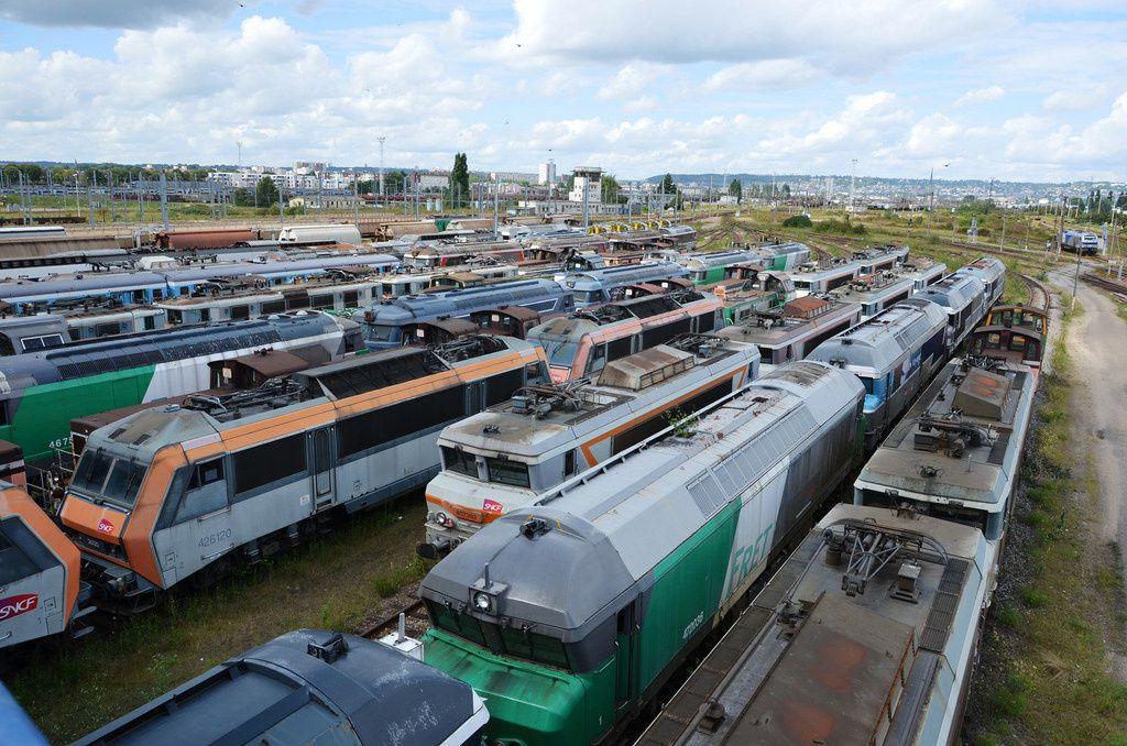 SOTTEVILLE-LES-ROUEN: UNE PARTIE DU CIMETIERE DES LOCOMOTIVES SNCF