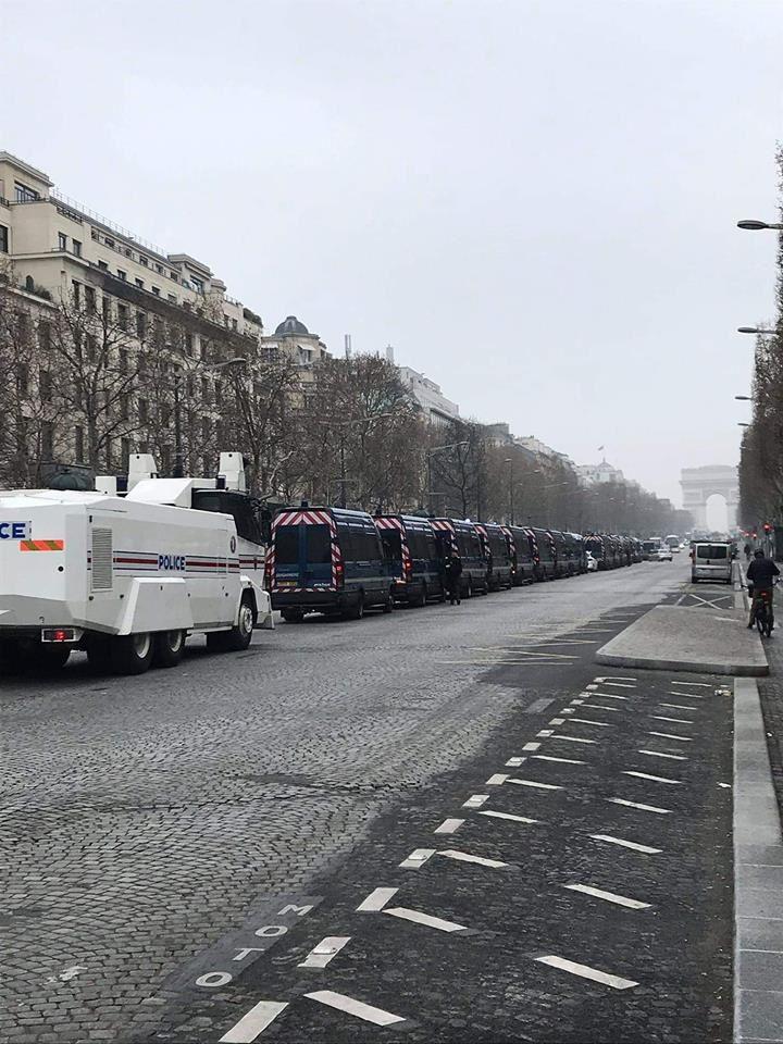 (Enfin) l'ordre règne en France dans notre état de droit
