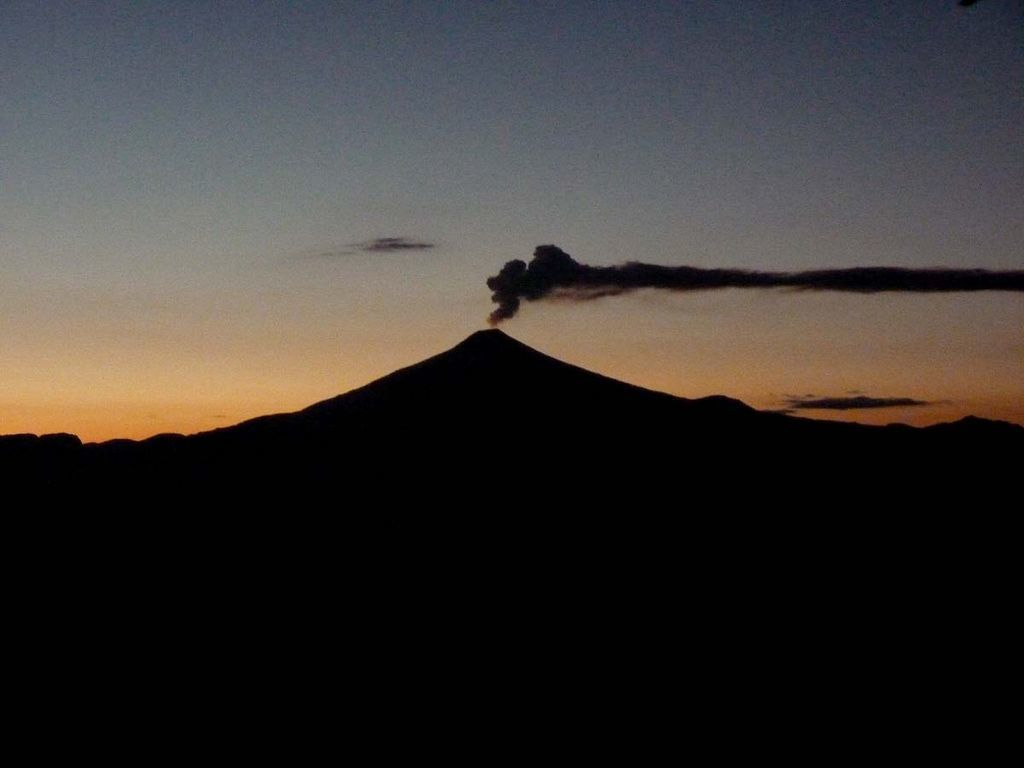 De Ralf Christian Gamper - volcan villarrica, CC BY-SA 2.0, https://commons.wikimedia.org/w/index.php?curid=32613693