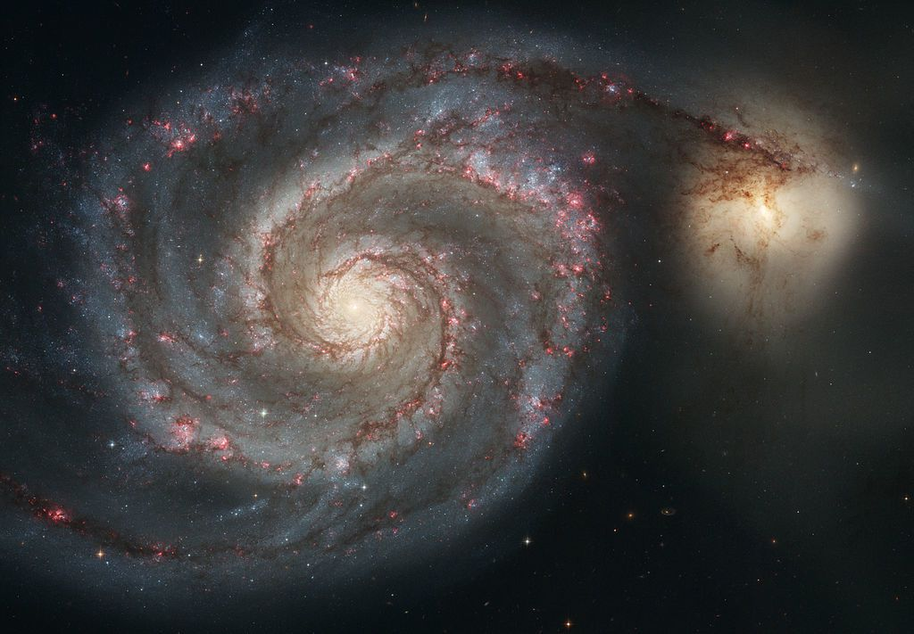galaxie du tourbillon Par NASA and European Space Agency — http://antwrp.gsfc.nasa.gov/apod/ap050428.htmlSOURCE OF 2ND VERSION: http://www.spacetelescope.org/images/heic0506a/ also bigger versions up to about 12000x8000 pixel available, Domaine public, https://commons.wikimedia.org/w/index.php?curid=3863746