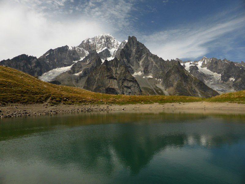 Randonnée au Mont Chétif : 2343 m et lac Chécrouit - Le Belvédère du versant italien du  Mont Blanc