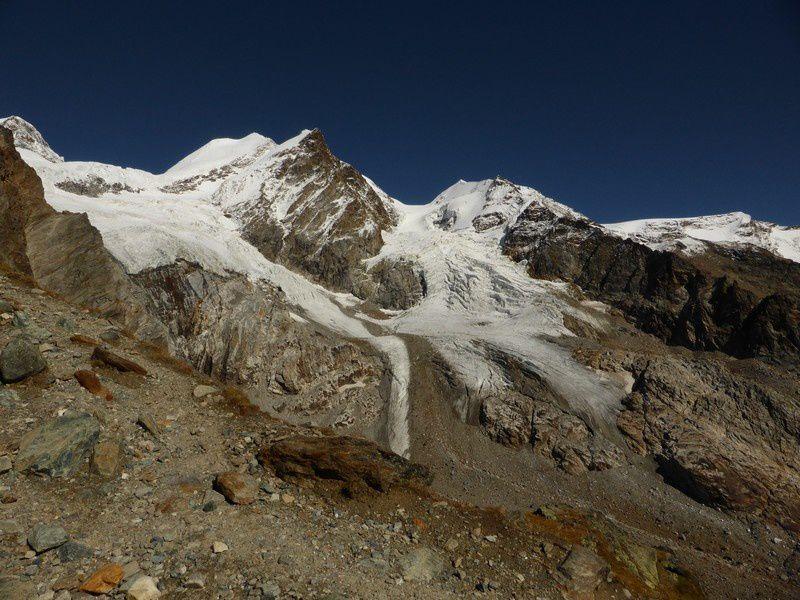 Montée au refuge des Guide du Val d'Ayas via Mezzalama