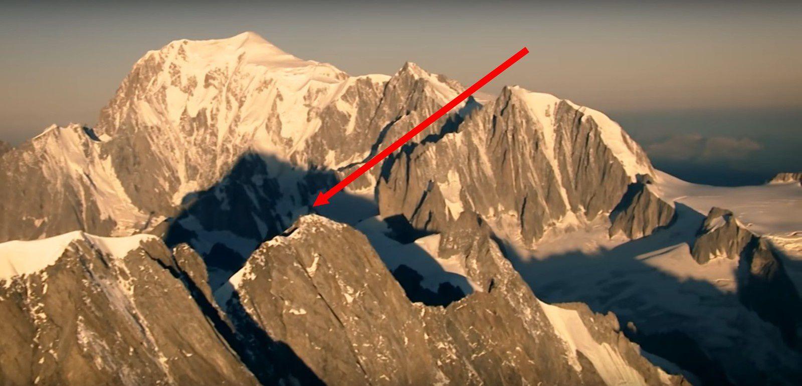 Ueli steck vidéo les grandes Jorasses - Je suis au bout de la flèche sur la pointe Whymper