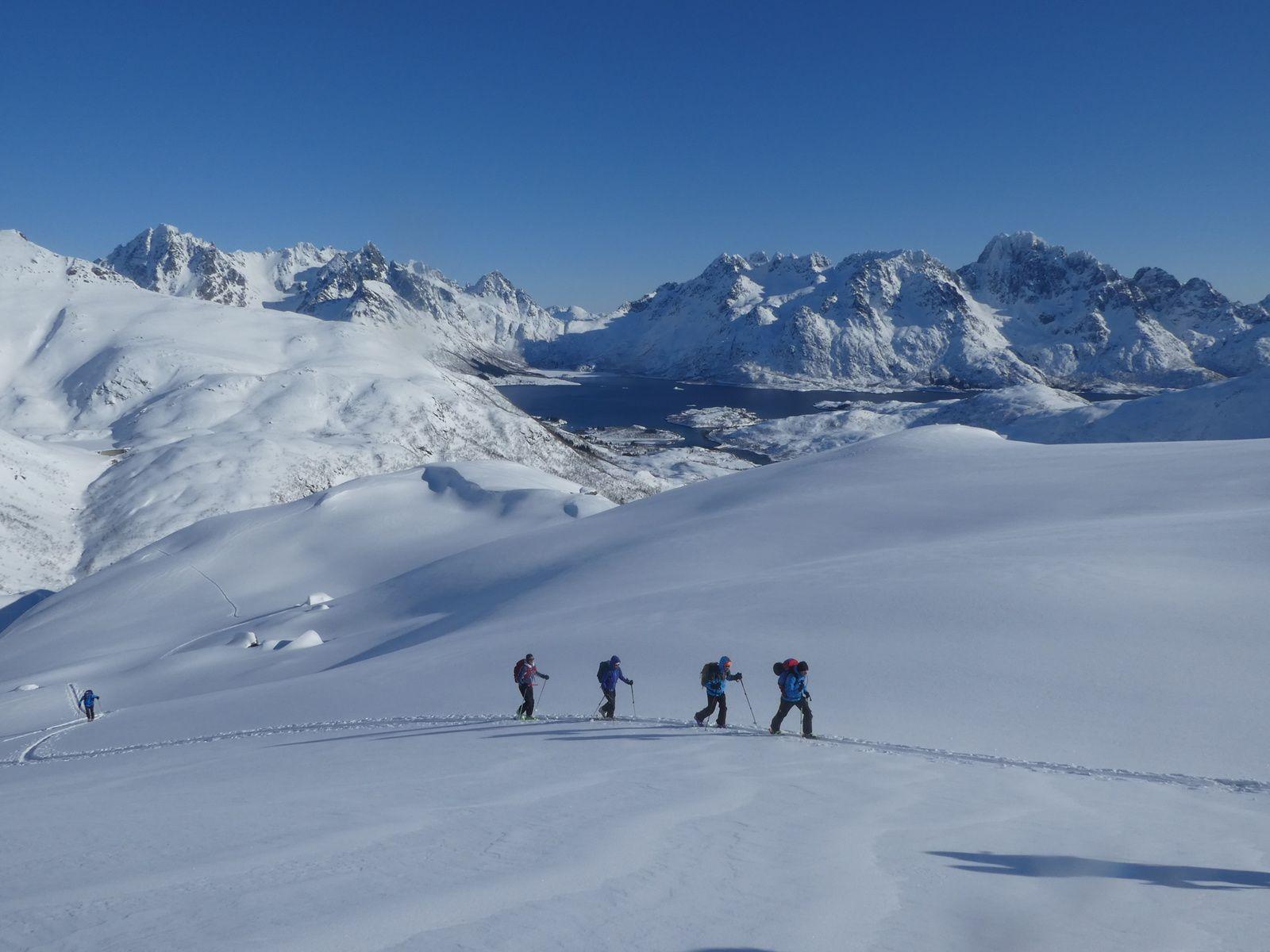 Vidéo : ski de randonnée aux Lofoten : Torskmannen - 755 m