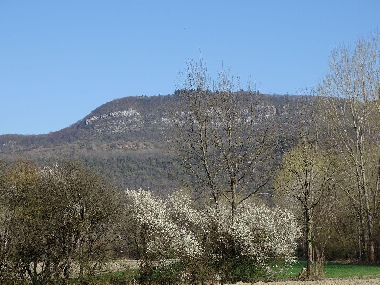la montagne de Parves