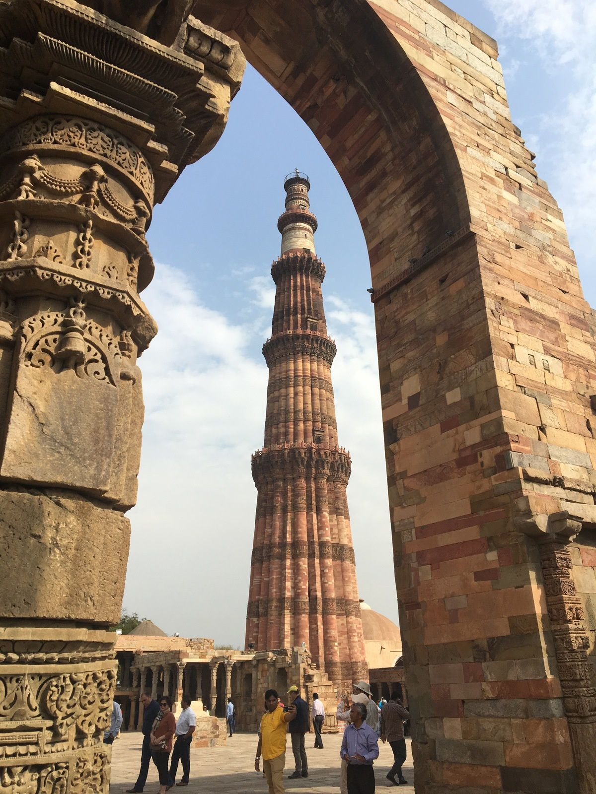 Le minaret de Qutub qui domine la ville de ses rêves de grandeur
