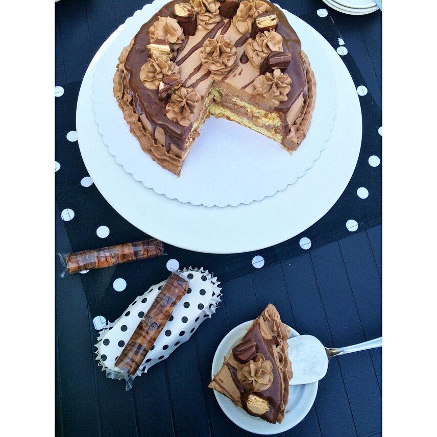 Cake fourré aux Kinder Bueno ❤️