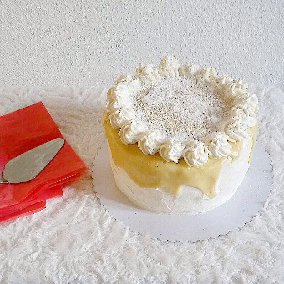 Layer Cake Framboise, Chocolat Blanc & Noix De Coco