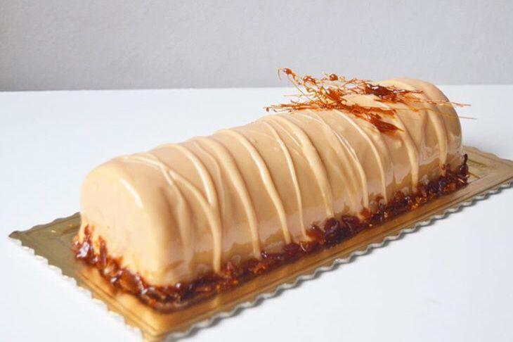 Bûche mousse Vanille insert Caramel
