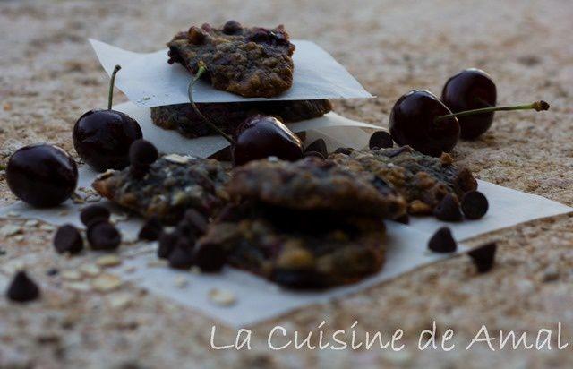 COOKIES CERISES, FLOCONS D'AVOINE ET CHOCOLAT NOIR