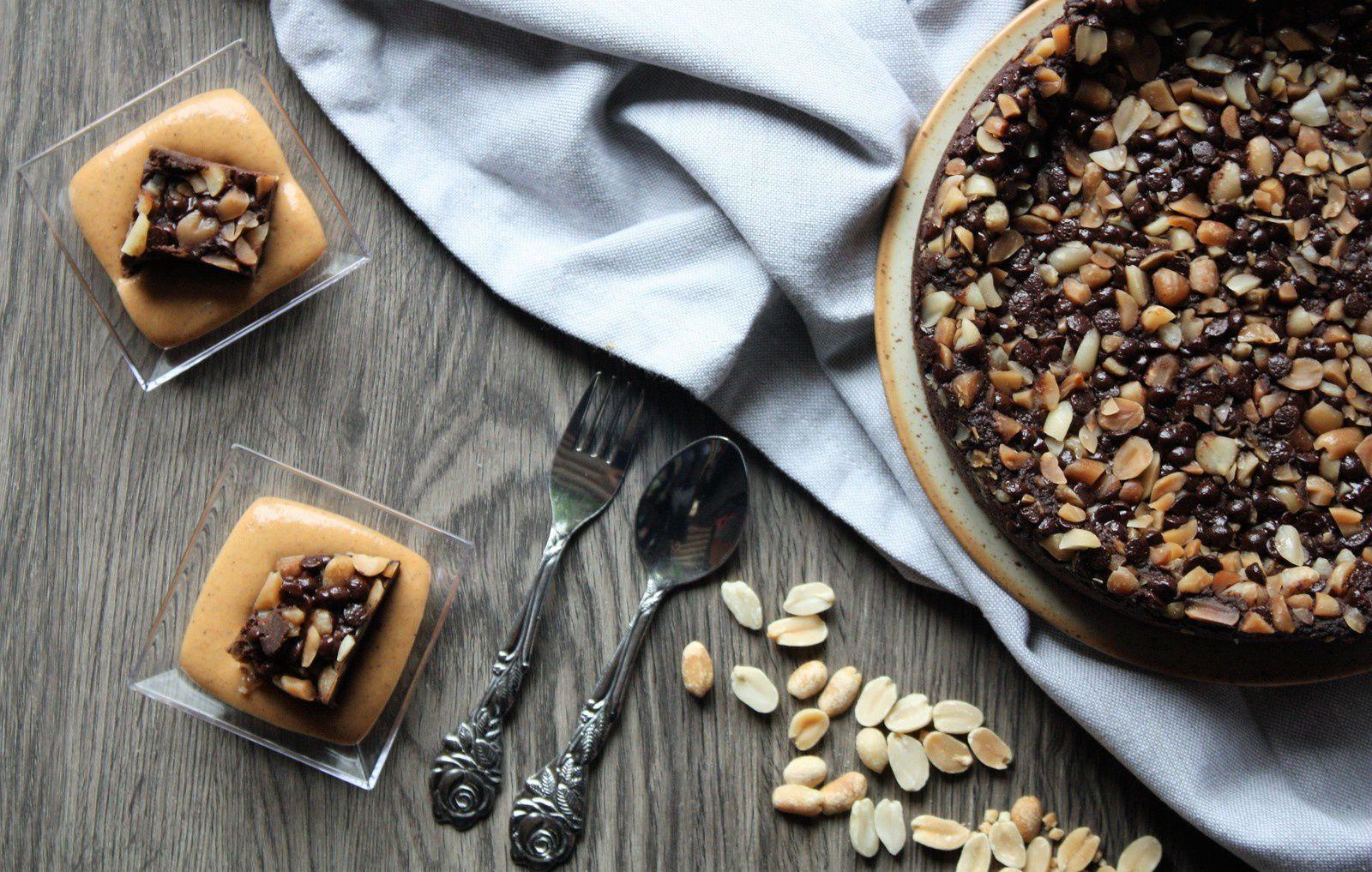 """Fondant chocolat cacahuètes (et haricots rouges mais on n'est pas obligé de le dire) et """"coulis"""" de patate douce vanillé"""