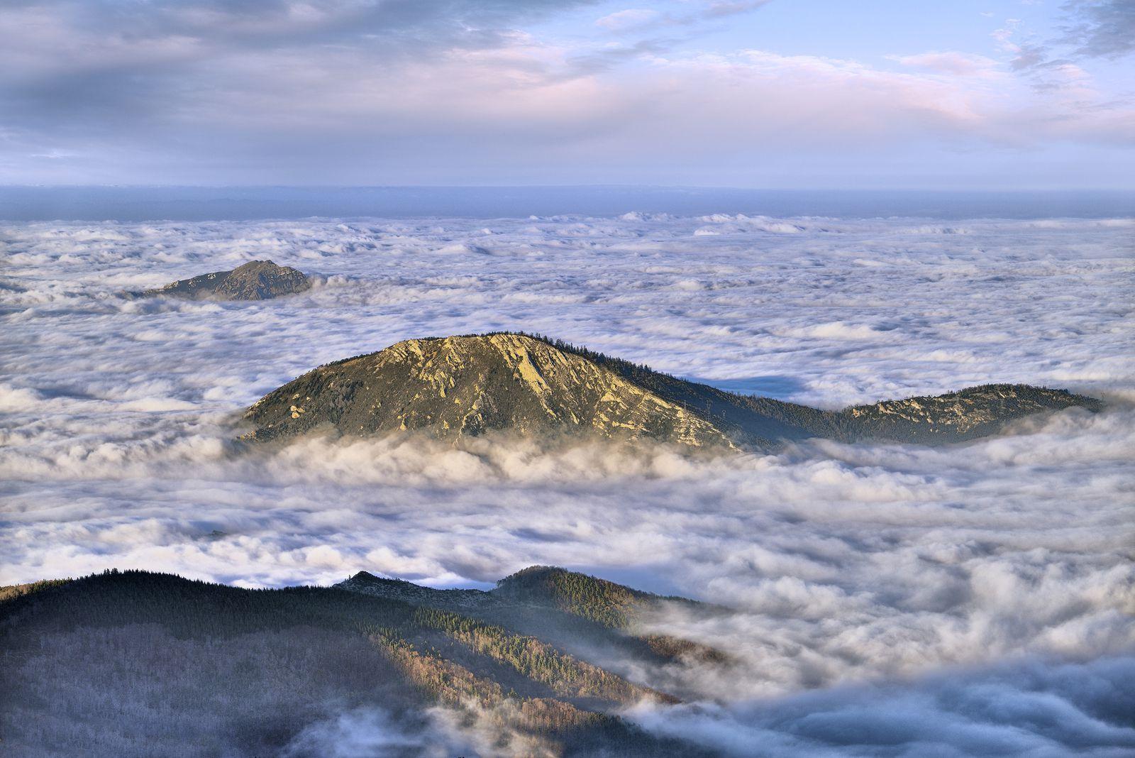Mer de nuages sur le Fenouillèdes.