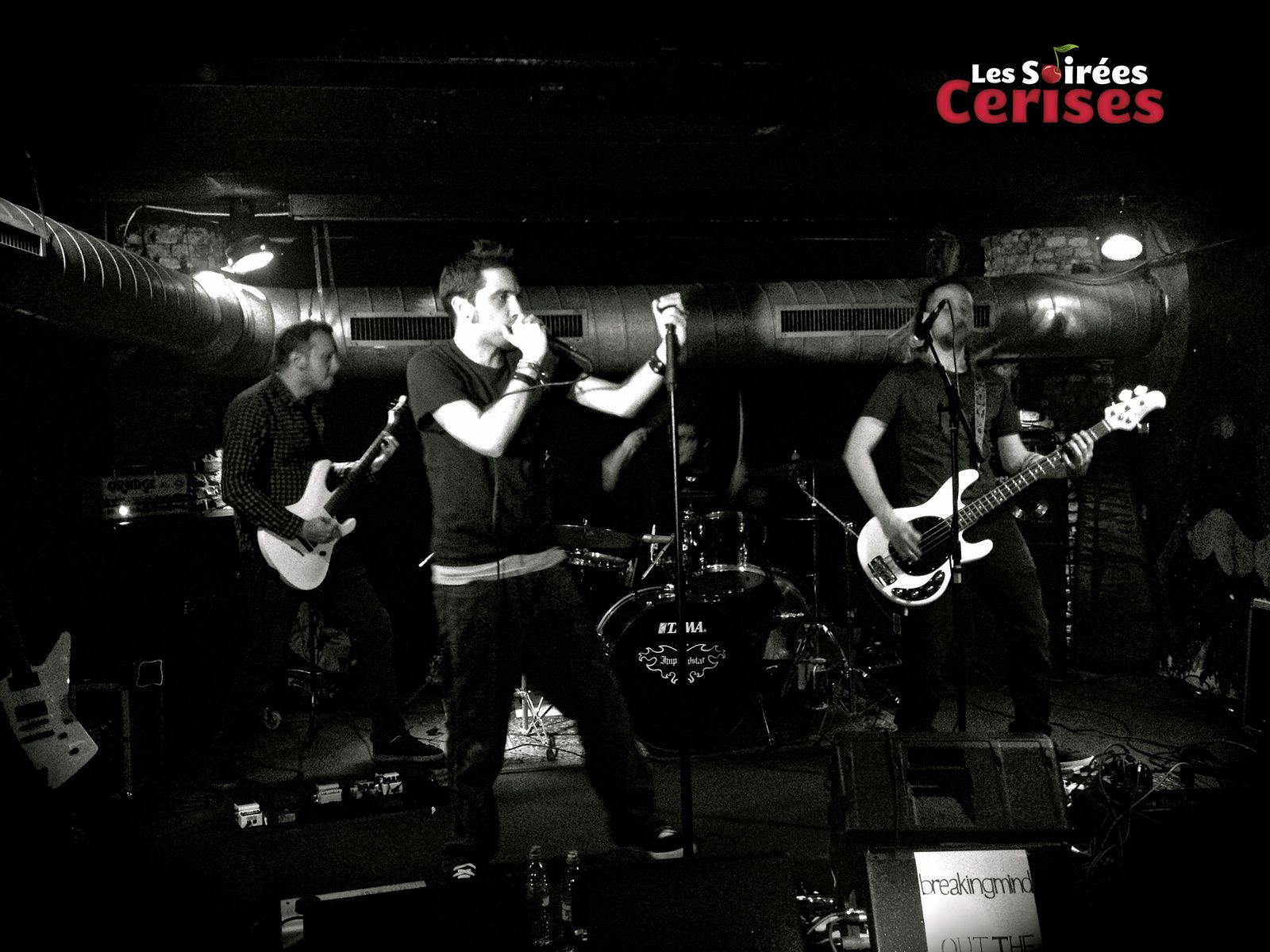▶ Photos / Videos - Out the Monster (F) + breakingmind @ Rock Classic - 04/11/2017