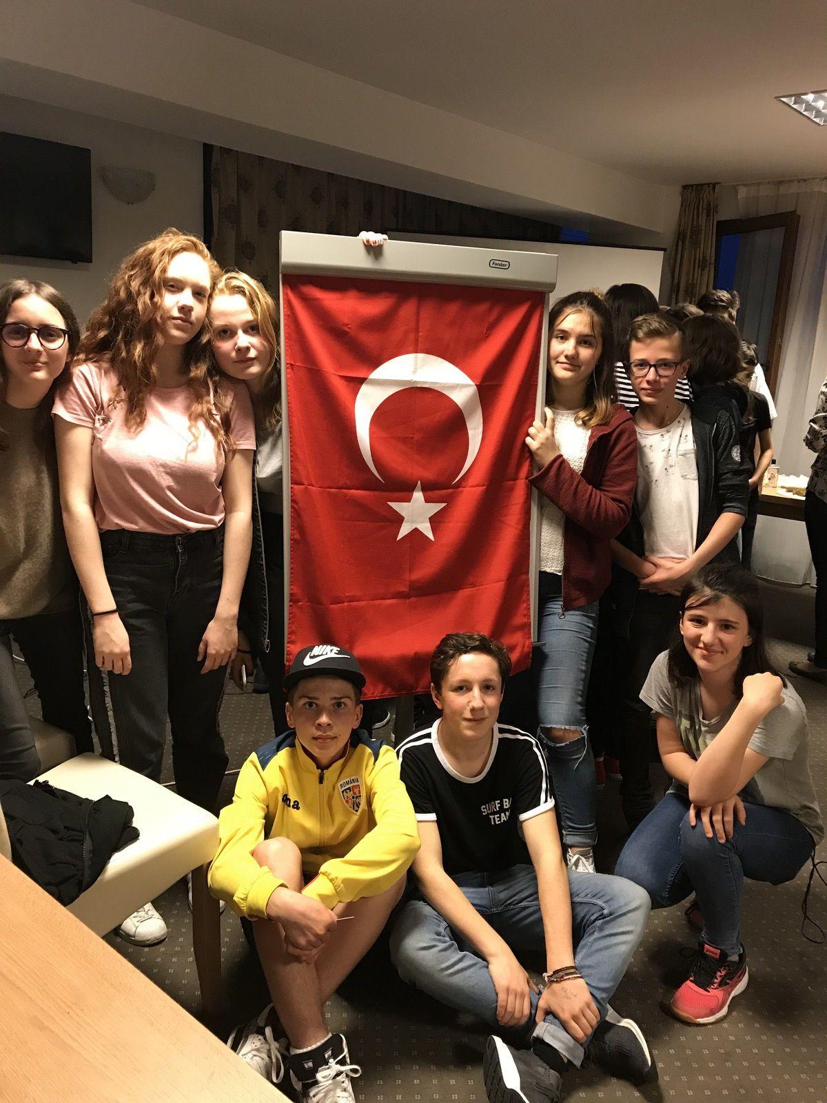 Une immersion totale contre le harcèlement avec la Turquie, la Hongrie, en Roumanie