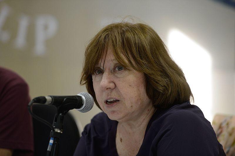 Le prix Nobel de littérature 2015, Svetlana Alexievich, lors d'une conférence de presse au Festival littéraire international de Paraty.