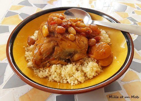 Tajine de poulet aux abricots, raisins blonds & amandes