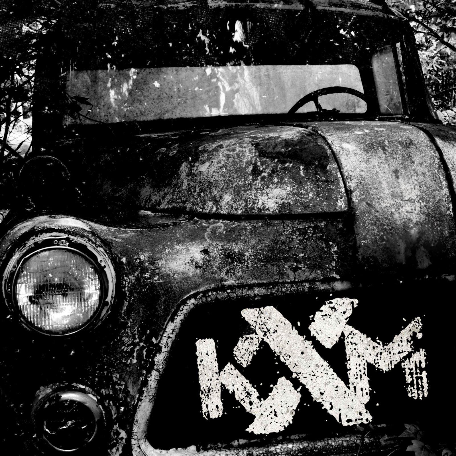 """CD review KXM """"KXM"""""""